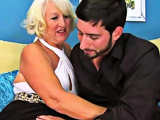 Mature Lady Gets Fucked By A Young Cock Drtuber