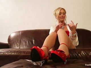 Video With Kinky Blonde Milf Simone Sonay