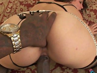Butthole Of Incredibly Voracious Curvy Milf Gets Stretched With Bbc